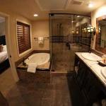 Pres Suite Bathroom