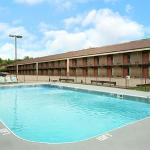 Howard Johnson Inn and Suites Springfield