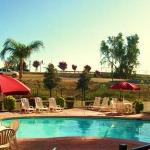 Photo of Howard Johnson Inn - Bakersfield