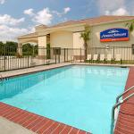 ‪Howard Johnson Inn & Suites Lafayette‬