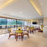 Sheraton Reston Club Lounge