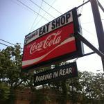 Strawn's Eat Shop resmi