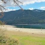 Syringa Provincial Park beach, water and mountains