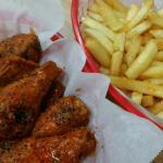 Buffalo wings n fries