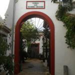 Puerta acceso molino, biblioteca y comedor.