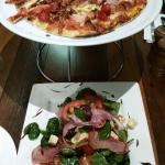 Montes Pizza and Salad
