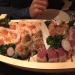 Abbiamo chiesto tre varianti di Sushi in un piatto unico.Molto buono, unica pecca aver usato la
