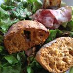 Croustillant de chèvre... C'est en fait une pâte à tartiner orange sans goût !!
