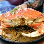 Garlic Flavoured Dungeness Crab at Crab House in Pier 39