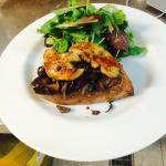 Tartine de foie gras poêlé fricassée de champignons