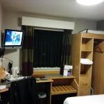 Room 2/2 : Window, Cupboard, Table, Chair, TV