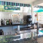 Sand Dollar Pool Bar