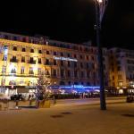 Brasserie OM, night