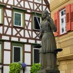 Brunnenfigur am Rathaus