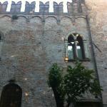 castello outside2