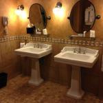 Huge bathroom. Walkin rain shower with 6 nozzles