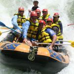Rafting atubing na řece