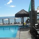 Piscina do hotel de frente pra praia