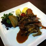 Noisette de chevreuil rôti aux pleurotes
