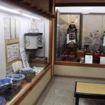 ロビーには松前藩の武具などが展示してある