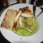 Spinach Pesto Pasta with Grilled Chicken