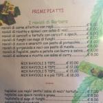 Il menù con l'indicazione dei tipi di ravioli serviti. Eccezionali!