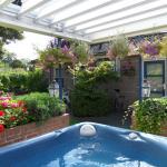 (Private) hot tub