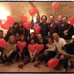 CENA: Foto di gruppo con i palloncini di San Valentino