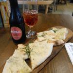 Garlic Pizza & Berry Cider
