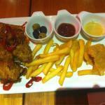 ภาพถ่ายของ BBQ Chicken Junction Mawtin