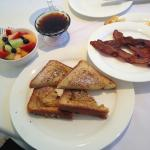 french toast fruit and bacon