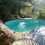 Área da piscina, oportunidade de fazer amizades com outros hospedes, bater bons papos...