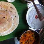 South Indian crépes with coconut chuney and lentil sauce