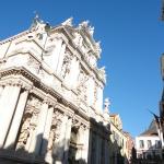 a fachada de mármore de San Giglio