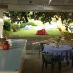 La pelouse pour planter la tente