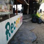 La réception et ses poubelles,  welcome is siam hut ! :((