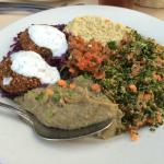 Vegetarian combo platter
