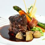 Beef with thyme and red wine sauce $16,06