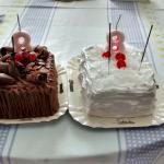 Bolo de chocolate e o bolo de coco com abacaxi