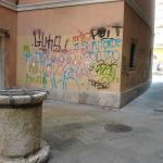 Una dei tanti angoli di Cavana rovinati dai vandali