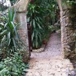 La entrada al jardín.