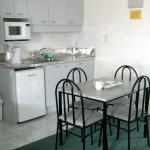 Studio - Room 2 kitchenette
