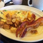breakfast omellette with bacon