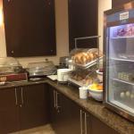 Photo de Comfort Suites Near Industry Hills Expo Center