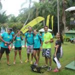 Área externa próxima da piscina. Equipe Adventure Camp Kids durante evento no Refúgio.