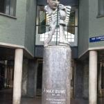 the statue of Max Eeuw