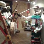Maniquíes con muestra de antiguas vestimentas indígenas. Museo de Arte Indígena, Sucre