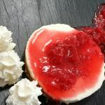 Tarta de queso con cutis de frutos rojos
