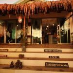 Photo de Monkey Biziness Cafe - Koh Lanta