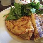 Seafood crepe, yummmmmm!!